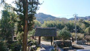 崇禅寺から城山を眺める